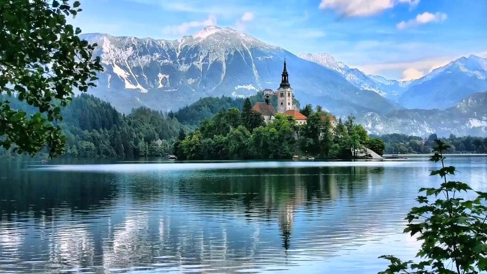 Озеро Блед (Bled) и остров с колокольней, Словения
